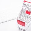 ネット通販イメージ_買い物カゴとキーボード